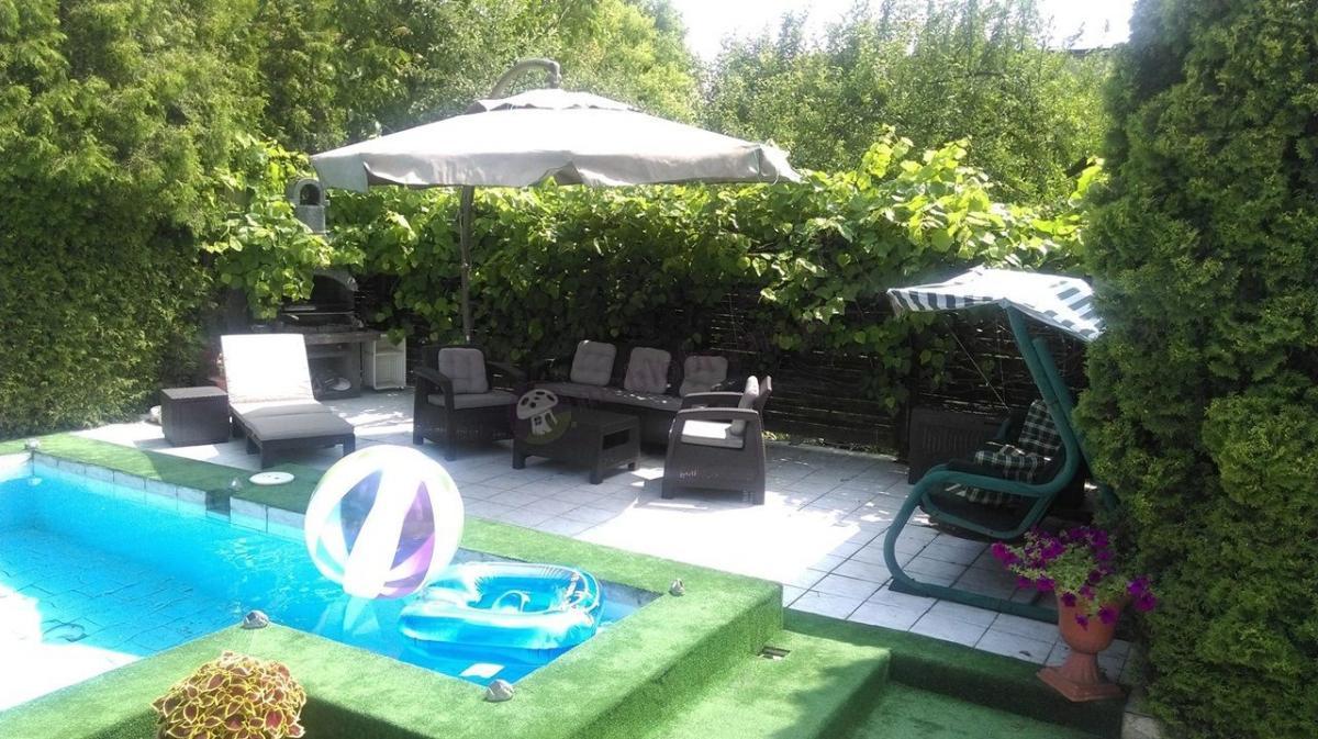 Basenowe meble ogrodowe z leżakiem i kompletem dla 5 osób Corfu