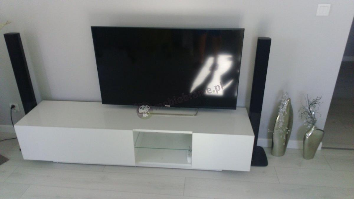 Biała szafka RTV na telewizor prostokątna ze szklaną półką Liana