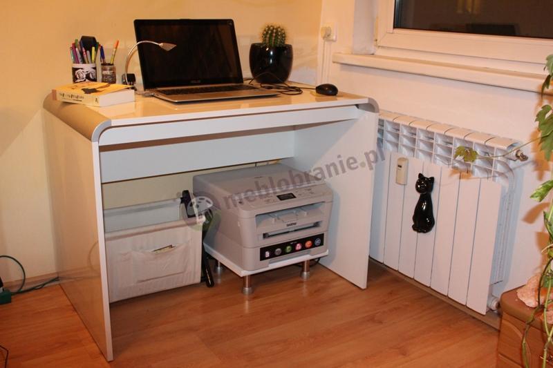 Białe biurko wysoki połysk Murano z mocno zaokrąglonymi rogami