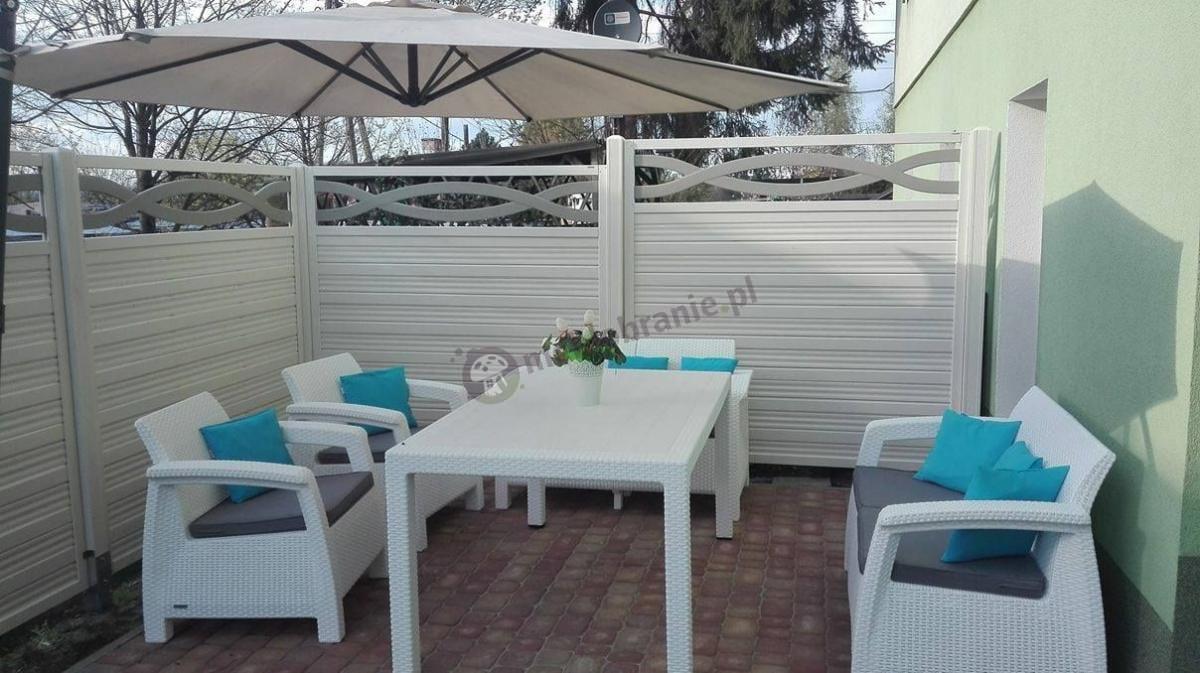 Białe meble z dużym stołem do ogrodu Curver Corfu Fiesta