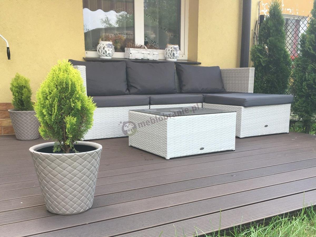 Biały korner ogrodowy na taras z szarymi niebrudzacymi poduszkami Farlito
