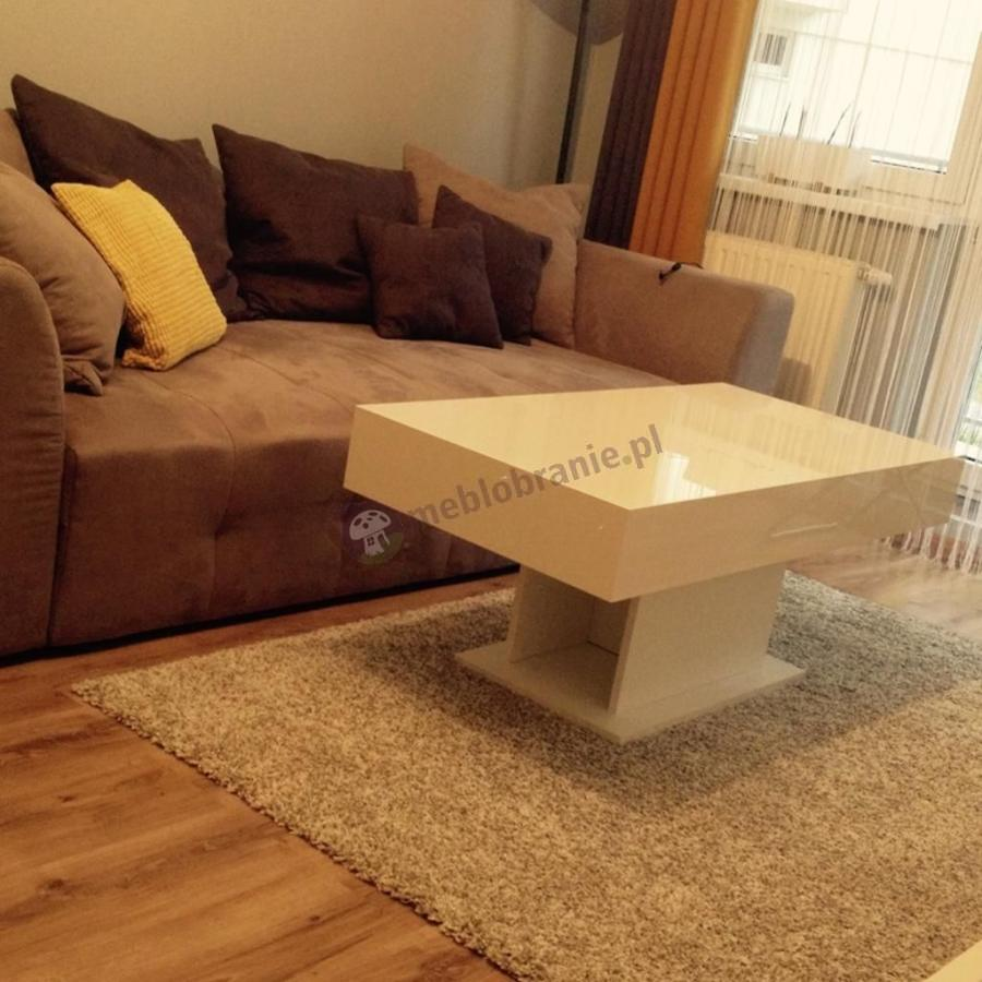 Biały stolik do salonu 120 cm wysokość 50 cm