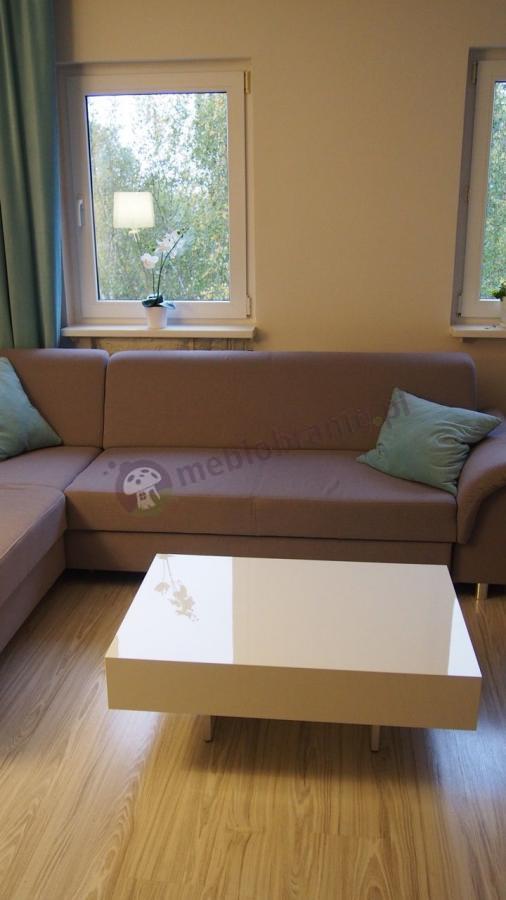 Biały stolik do salonu 90 cm wysokość 35 cm