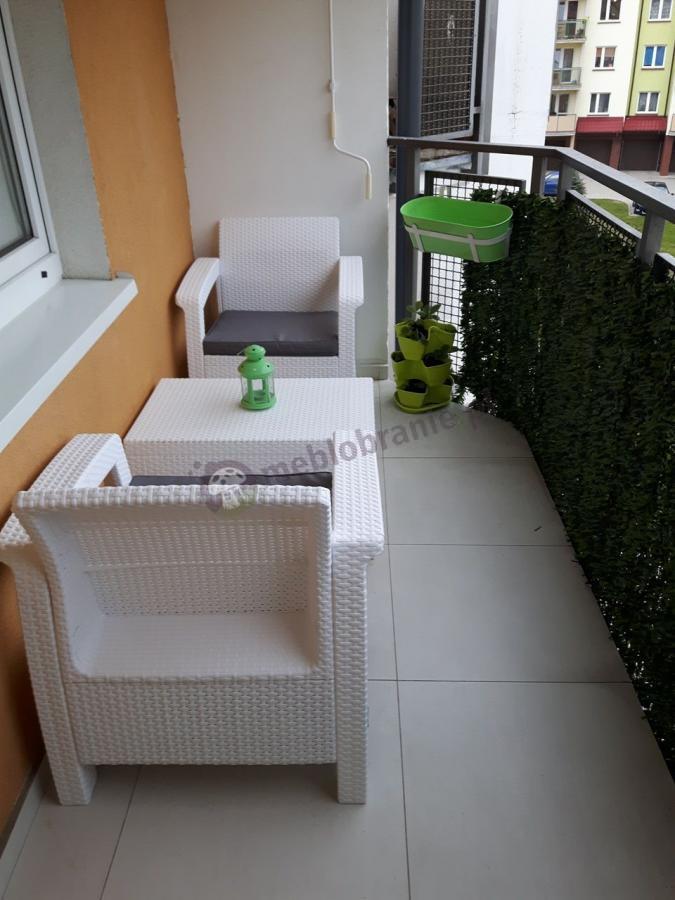 Biały zestaw ogrodowy Corfu Weekend rattan efekt Curver