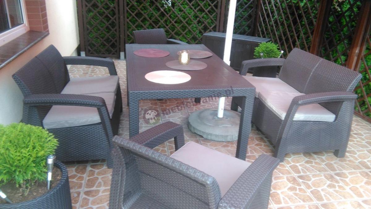 Curver meble ogrodowe Corfu Fiesta II brązowe na przydomowym tarasie