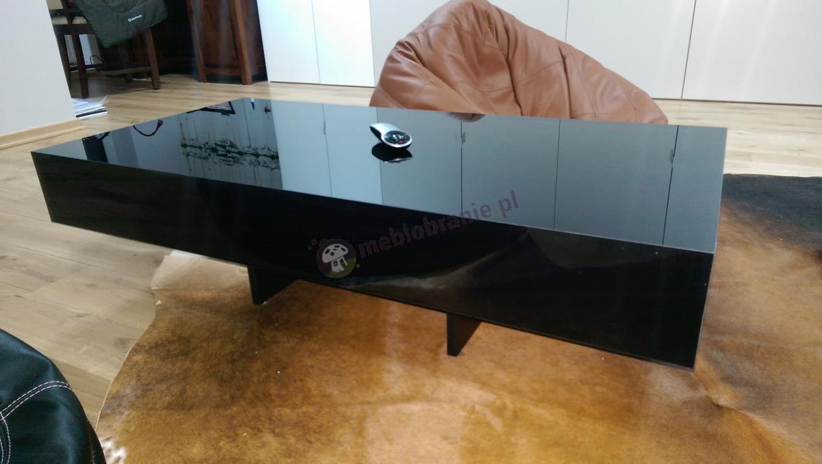 Czarny stolik kawowy Pixel na eleganckiej skórze