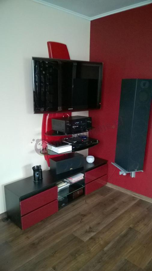 Czerwona nowoczesna szafka RTV Meliconi Ghost