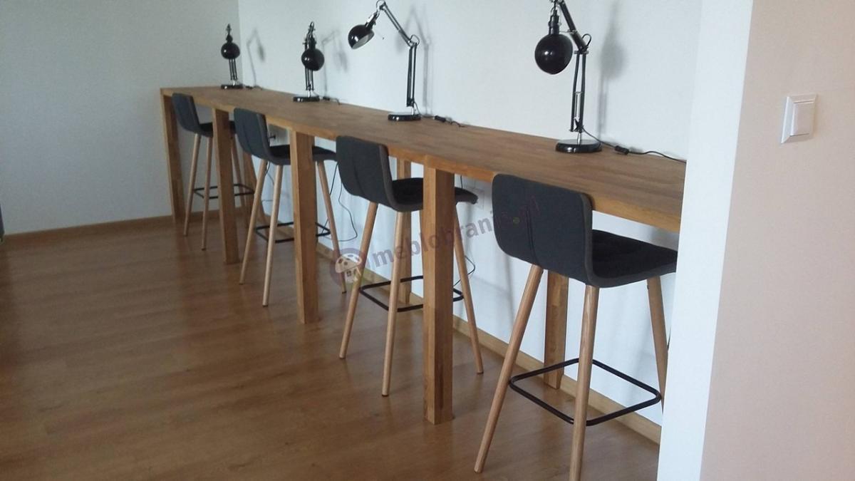 Cztery hokery na drewnianych nogach designerskie Actona Frida