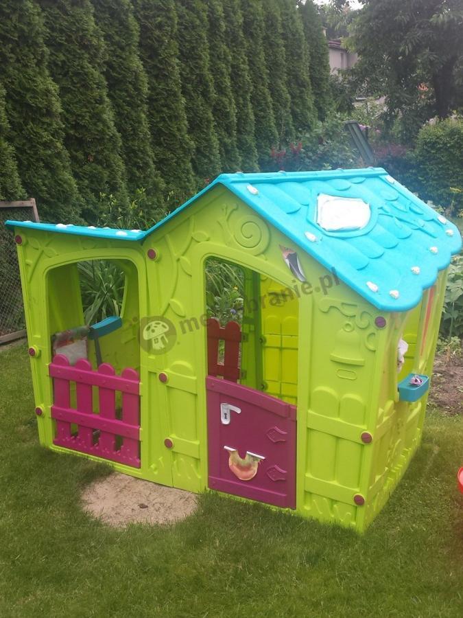 Domek dzicięcy Magic Villa  w zielonym ogródku
