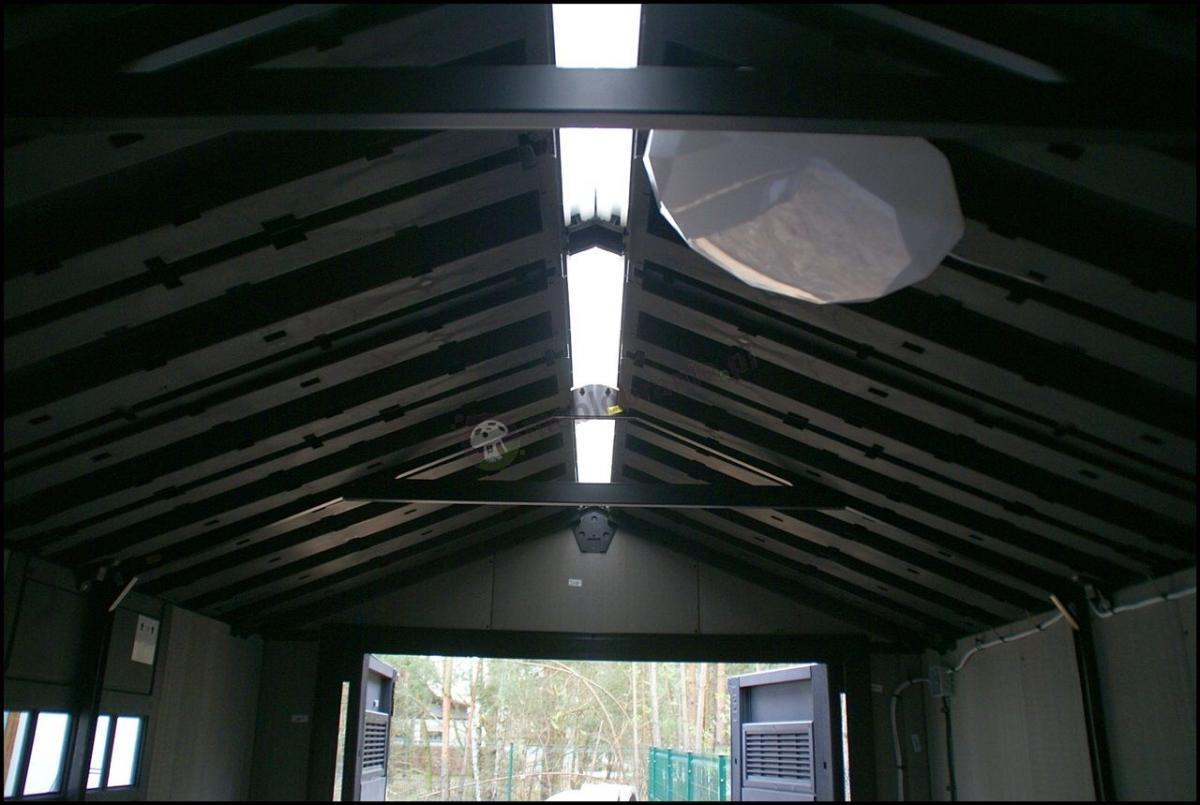 Domek ogrodowy narzędziowy duży ze świetlikiem w dachu