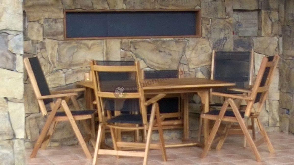 Drewniane meble ogrodowe ze składanymi krzesłami textiline
