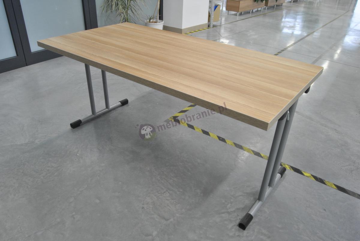 Drewniany stół na konferencje 160x80 cm na korytarzu naszego klienta