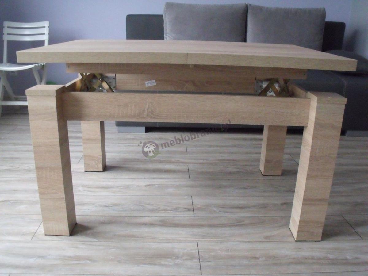 Drewnopodobny stolik kawowy i stół do jadalni w jednym