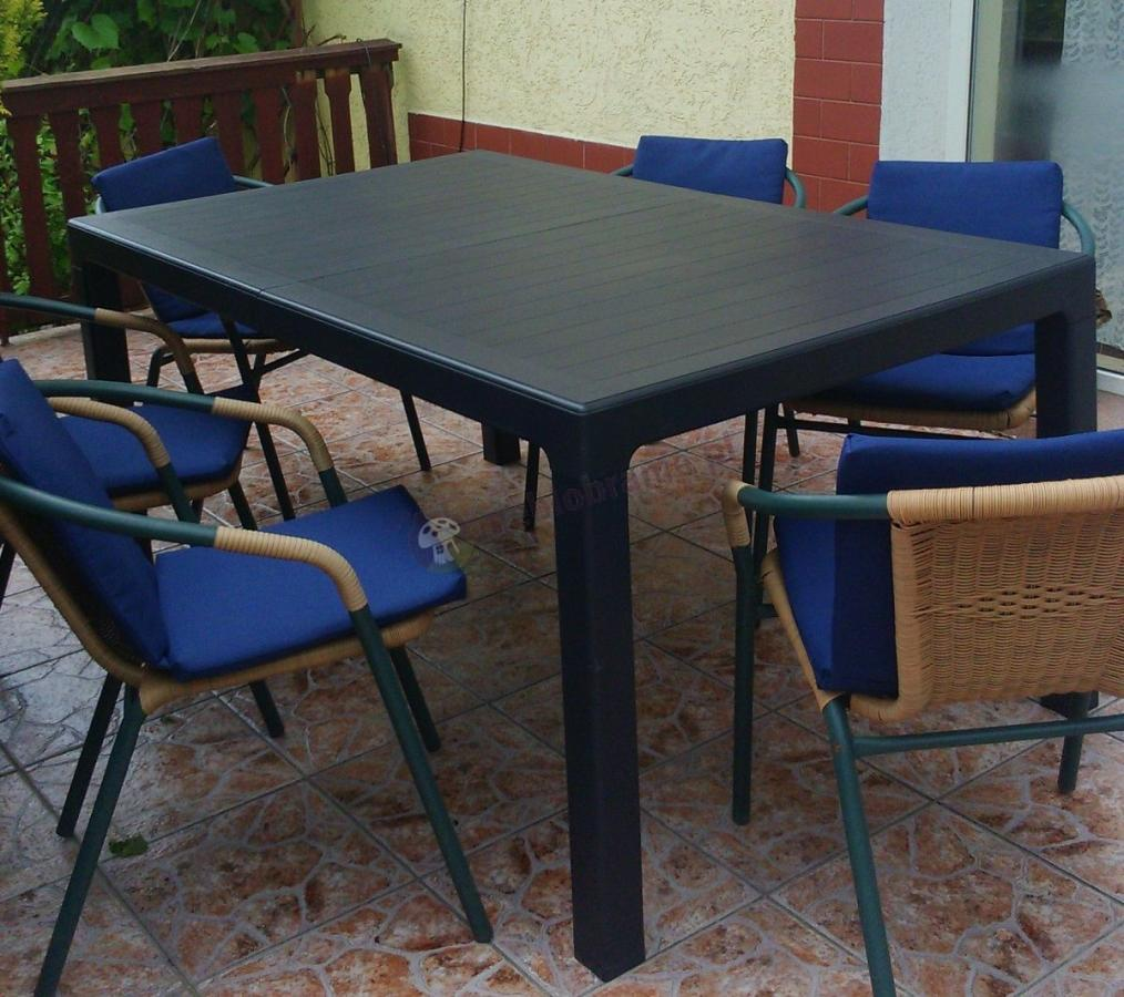 Duży stół ogrodowy z tworzywa sztucznego Keter Sonata