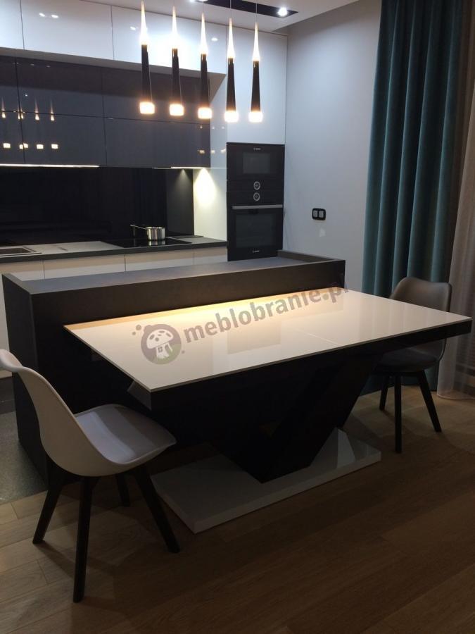 Duży stół Victoria wysoki połysk w nowoczesnym wnętrzu