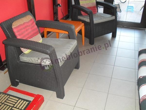 Dwa fotele z zestawu Duo Curver w brązowym kolorze