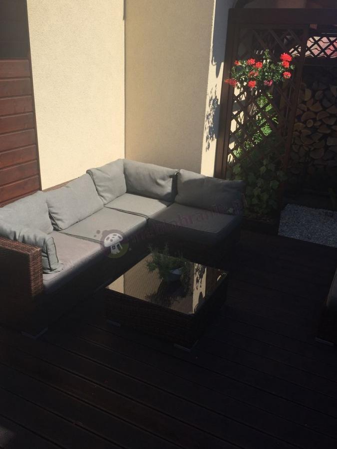Eleganckie meble z technorattanu na balkon Nilamito