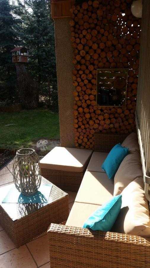 Estetyczne meble ogrodowe na taras Farlito V Carmel Latte