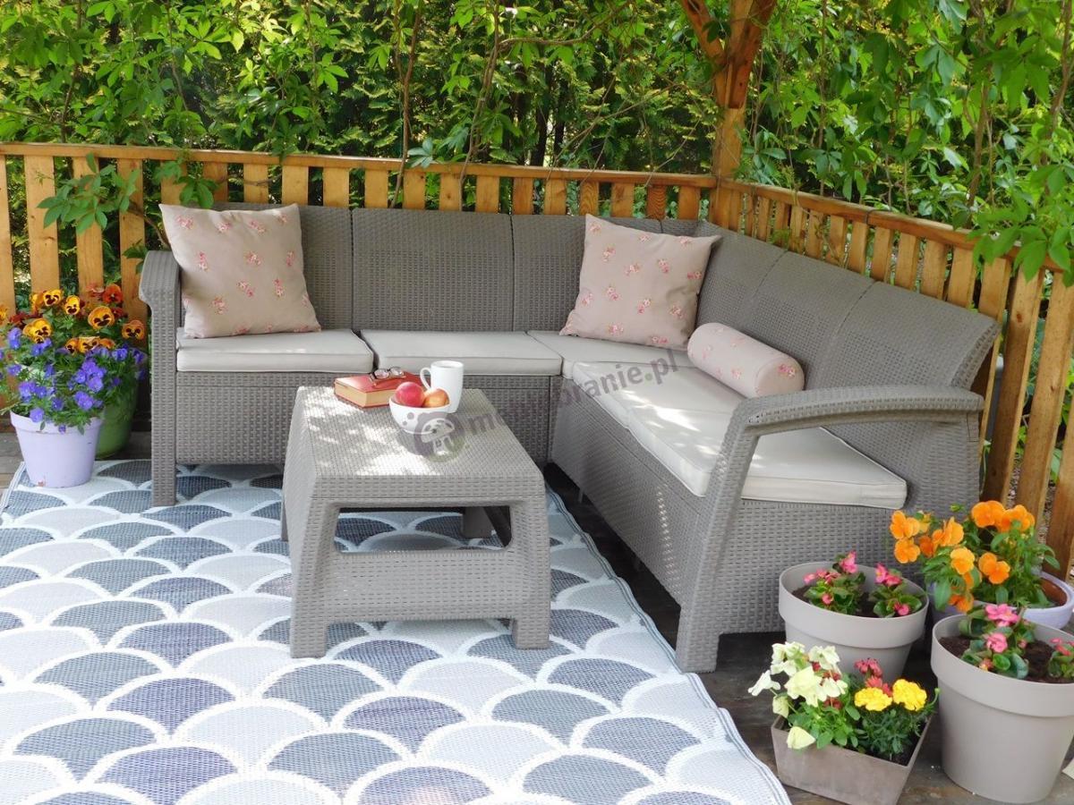 Estetyczny narożnik ogrodowy ze stolikiem kawowym Corfu Relax Cappuccino