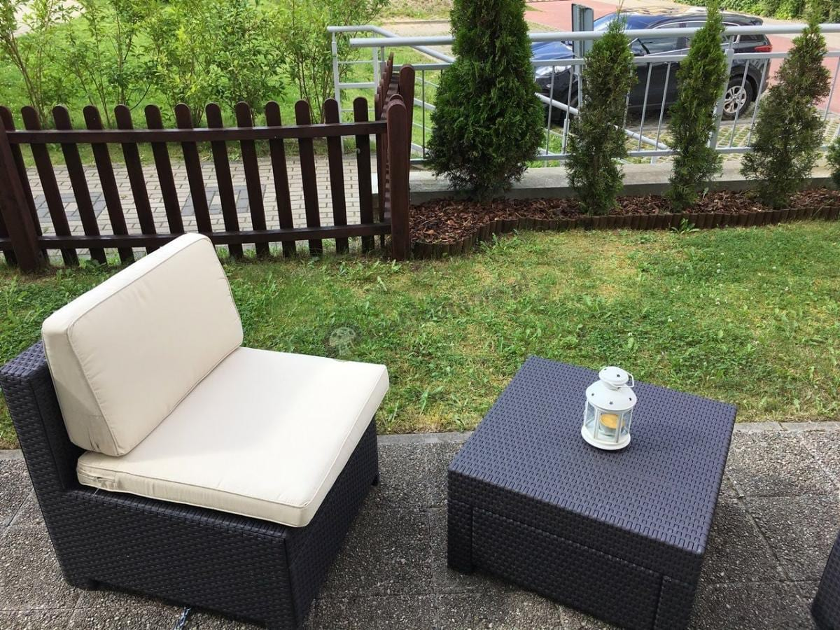 Fotel i stolik z kompletu mebli ogrodowych Modus