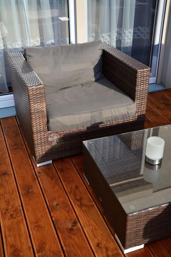 Fotele ogrodowe technoratan z wygodnymi poduszkami