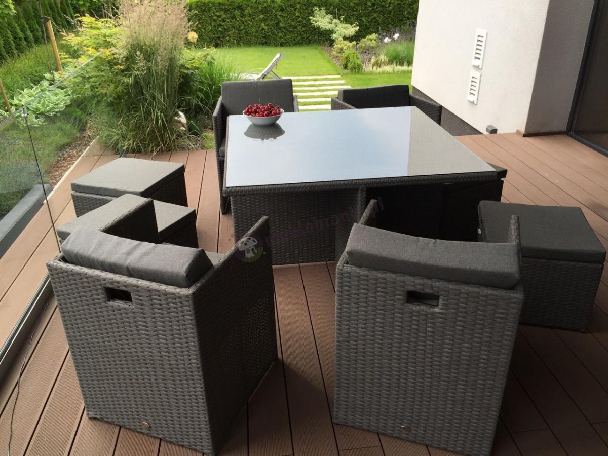 Fotele technorattan w komplecie z pufami i stołem