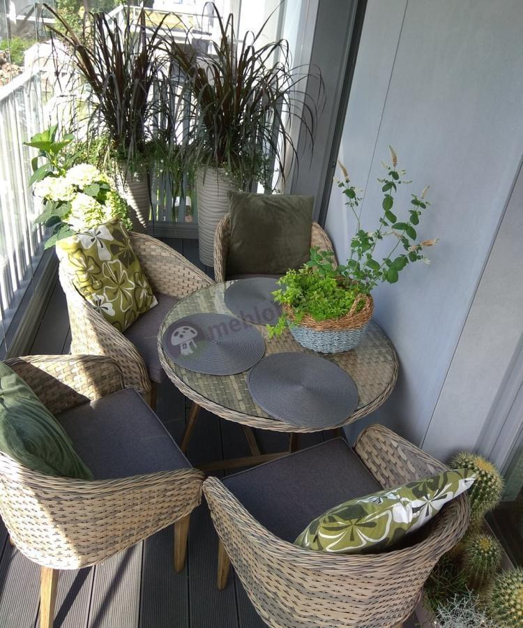 Fotele z ratanu dla 4 osób z okrągłym stołem Contito