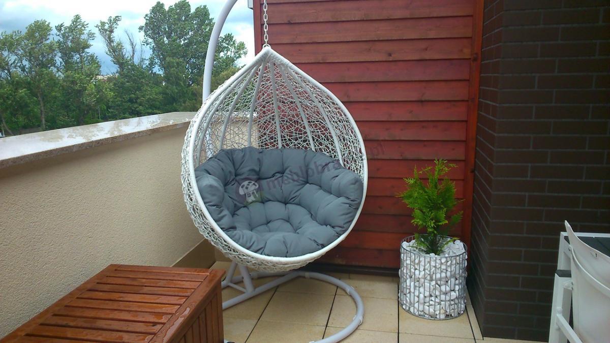 Huśtawka fotel na balkon z wygodną poduszką Cocoon biało szary