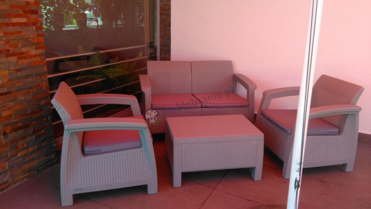 Komplet ogrodowy w szarym kolorze firmy Curver Corfu Set