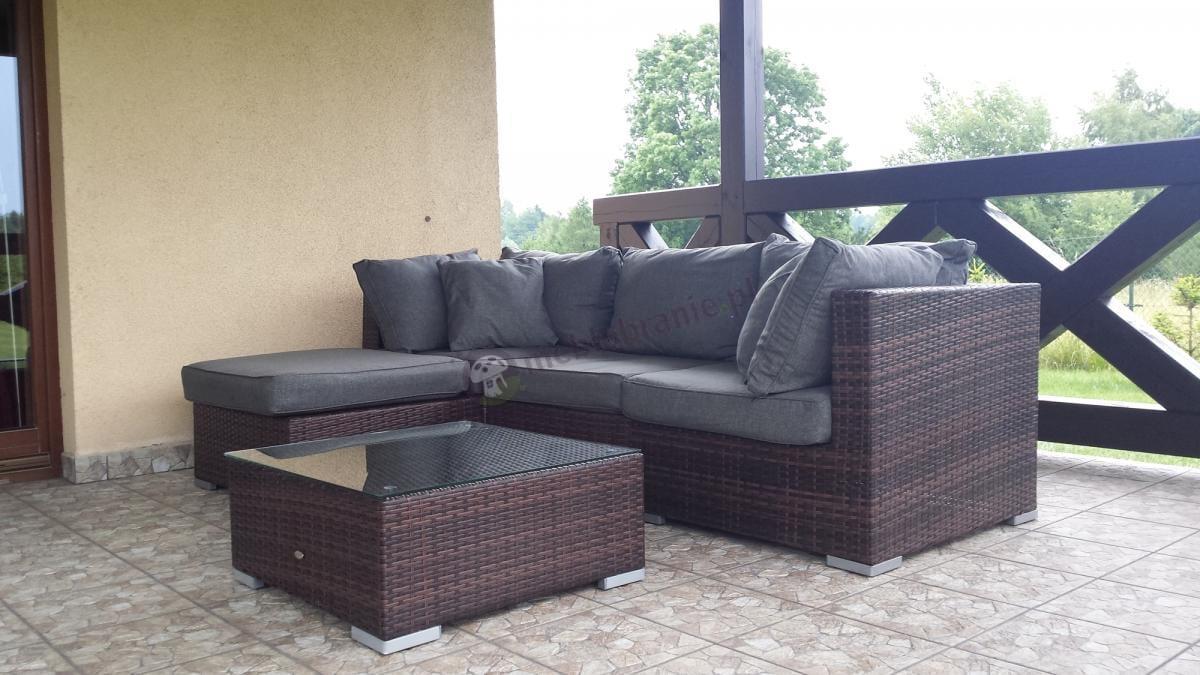 Komplet ogrodowy z szarymi poduszkami Nilamito z brązowego technorattanu pod dachem