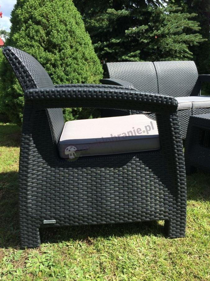 Krzesła ogrodowe technorattan efekt z kompletu Corfu Curver