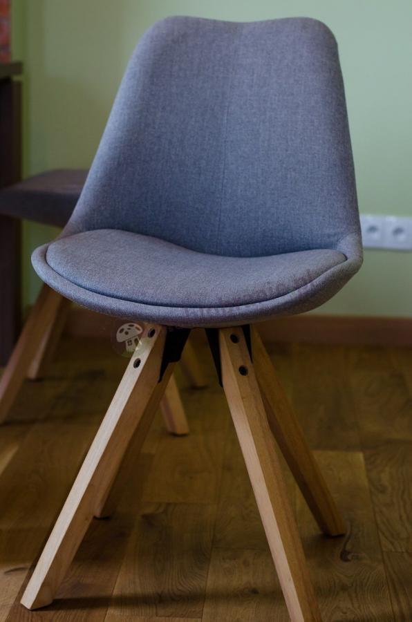 Krzesło Actona Dima w stylu skandynawskim