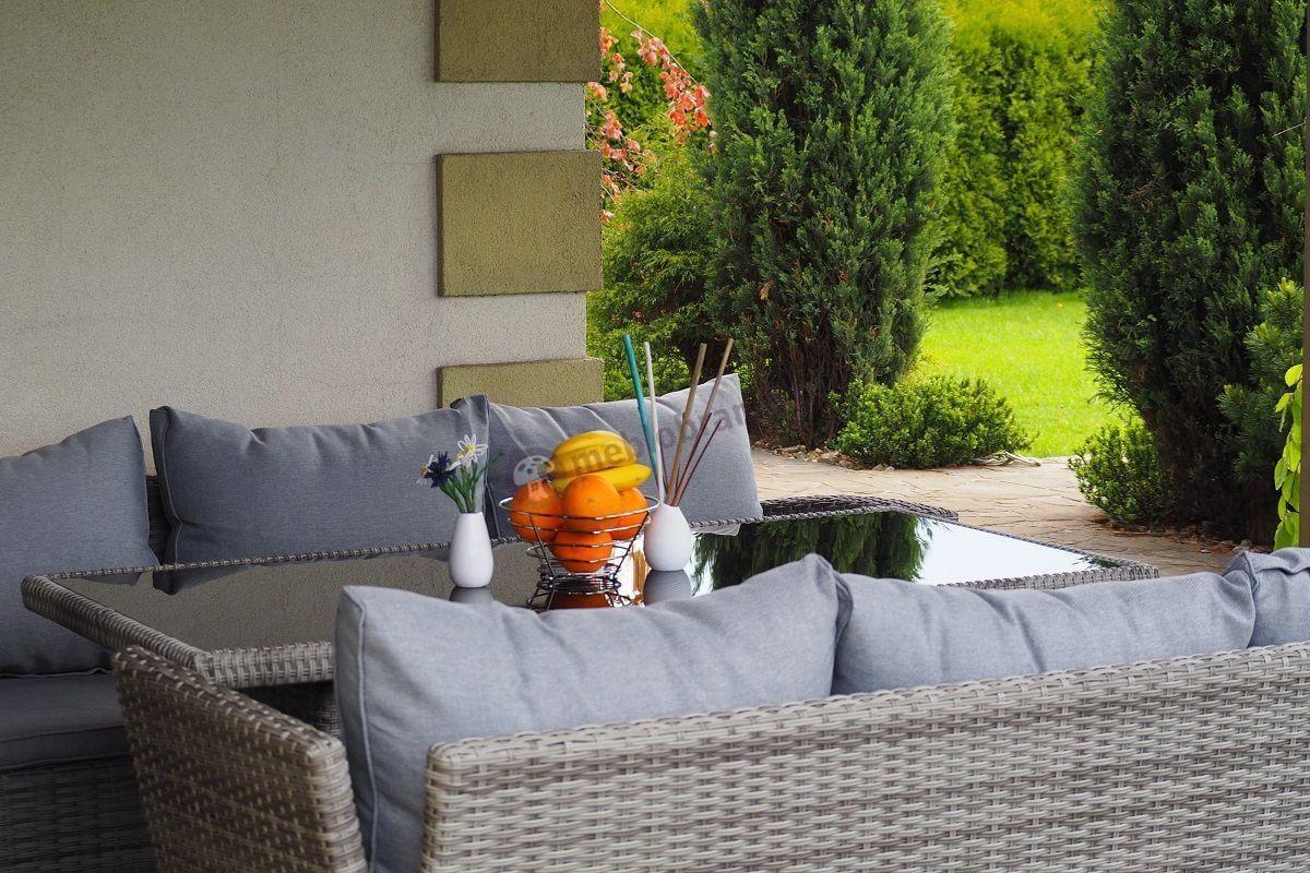 Ładny komplet ogrodowy z technorattanu Caprice Grey