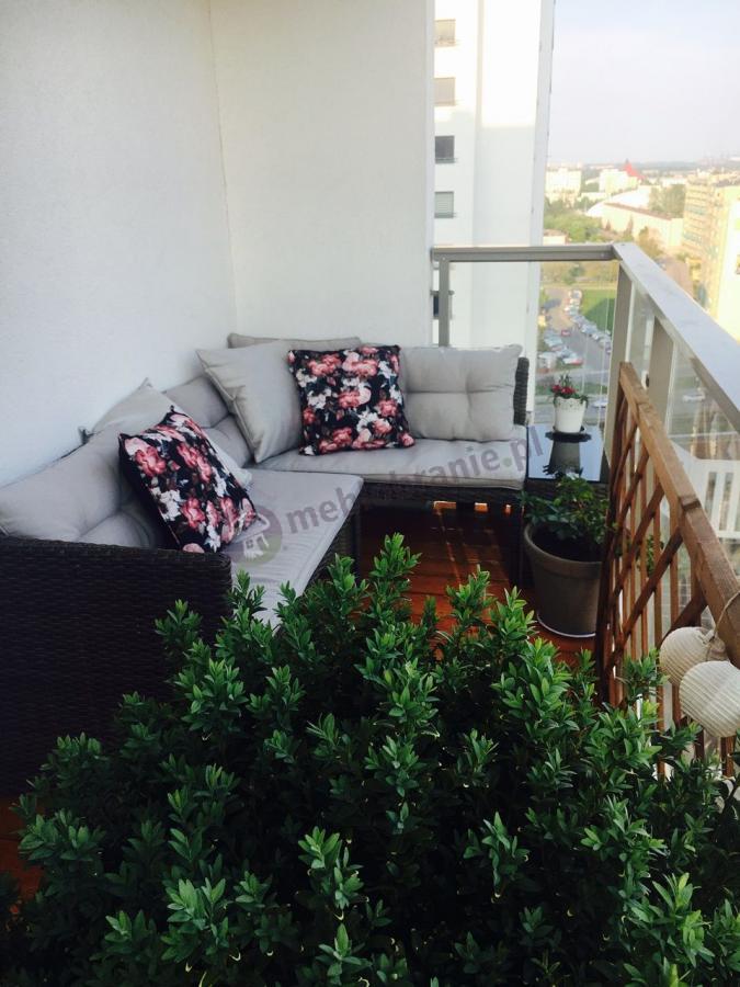 Ładny narożnik w niskiej cenie na balkon Canvas Caffe aranżacja