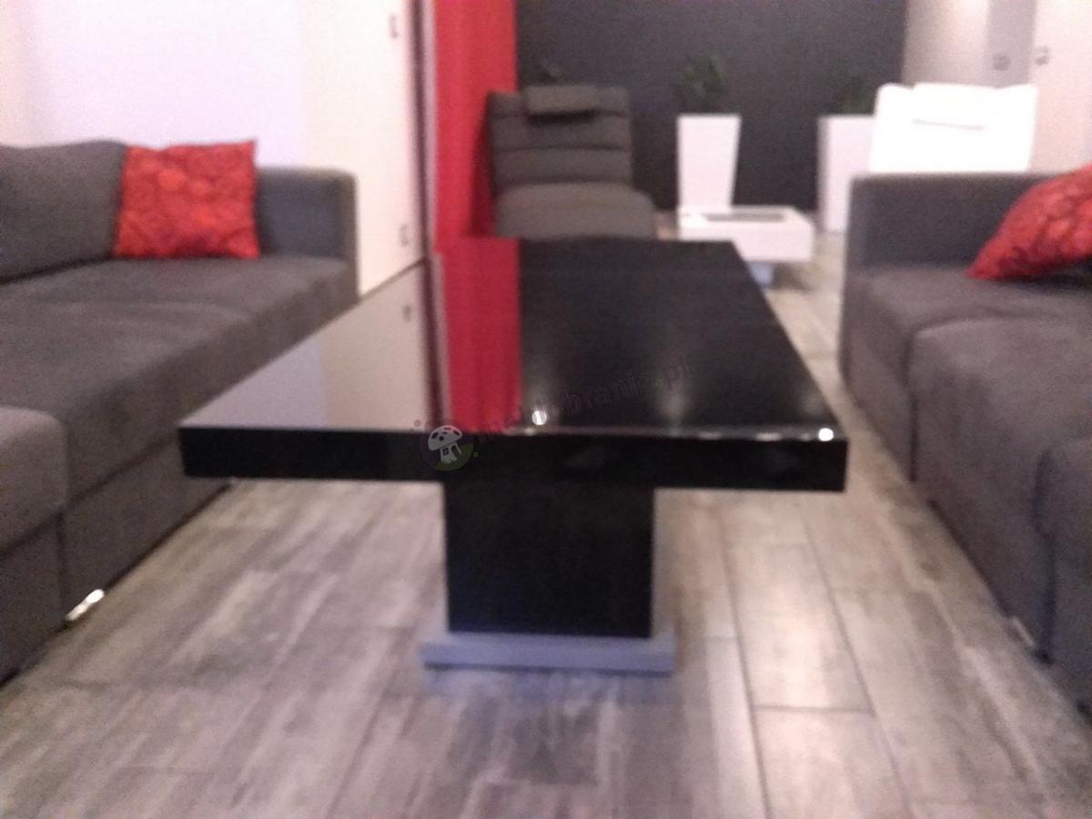 Ława Matera Lux wysoki połysk w nowoczesnym salonie