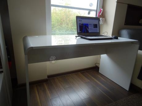 Białe biurko w wysokim połysku Murano duże
