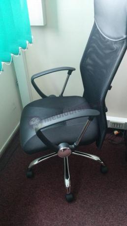 Fotel biurowy na kółkach Viper z podłokietnikami