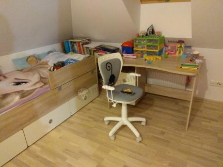 Fotel Ministyle White Kot i Mysz w kolorowym dziecięcym pokoju