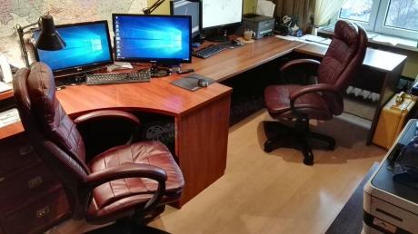 Fotele biurowe obrotowe Malibu w eleganckim biurze
