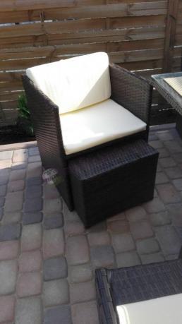 Fotele z technorattanu z kompletu obiadowego Cubioso