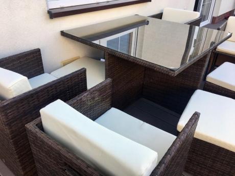 Kwadratowy stół ogrodowy w zestawie dla 8 osób Technorattan Cubioso