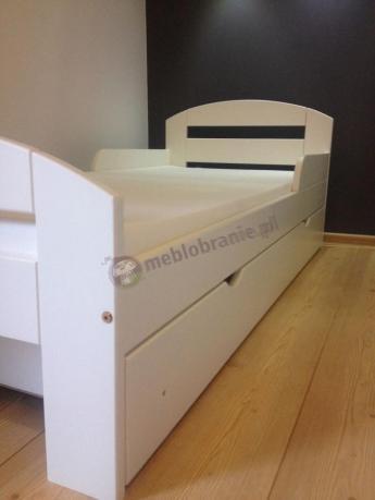Łóżeczko dziecięce z szufladą w kolorze białym