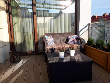 Meble tarasowe i balkonowe Corfu Box Set z kolorowymi poduszkami