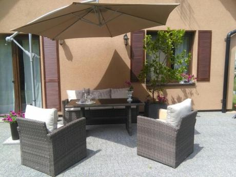 Meble tarasowe technorattan Stelvio Caffe pod parasolem
