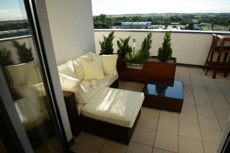 Meble z technorattanu na balkon sofa modułowa