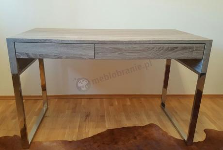 Nowoczesne biurko gabinetowe o prostym eleganckim designie