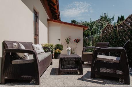 Nowoczesne komplety wypoczynkowe ogrodowe Corfu z zestawem doniczek