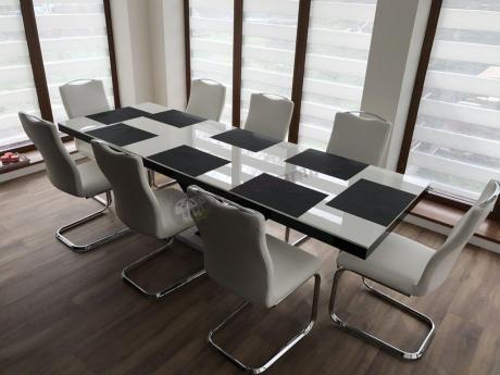 Nowoczesny stół do jadalni rozsuwany na wysoki połysk