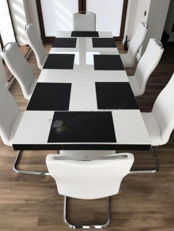 Stół rozsuwany do jadalni Victoria w czarno-białej aranżacji