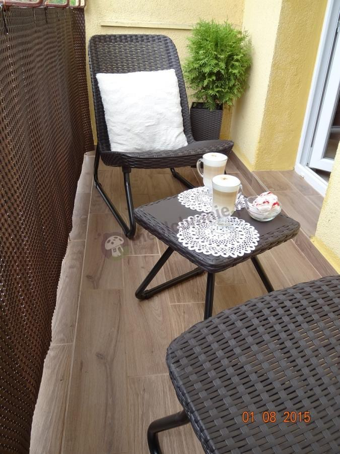 Meble balkonowe Rio Patio z białymi jaśkami